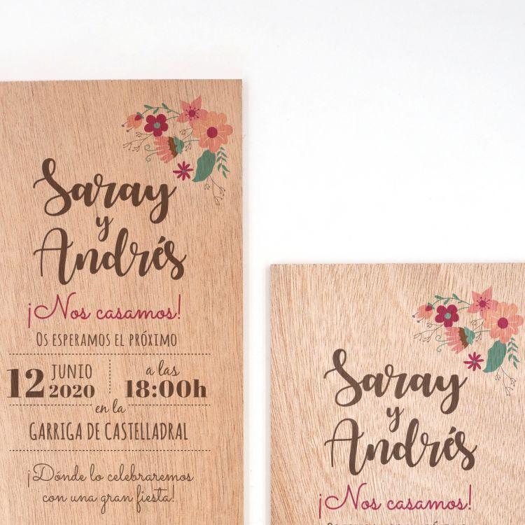 Invitació Floral sobre fusta